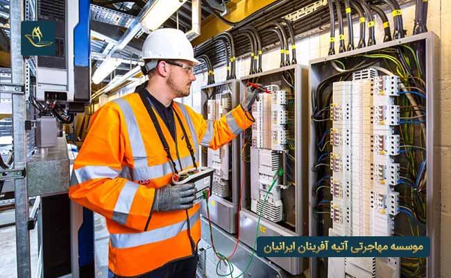 بازار کار مهندسی برق در انگلیس | بازار کار در انگلیس | بررسی بازار کار مهندسی برق در انگلیس | شرایط کار مهندس برق
